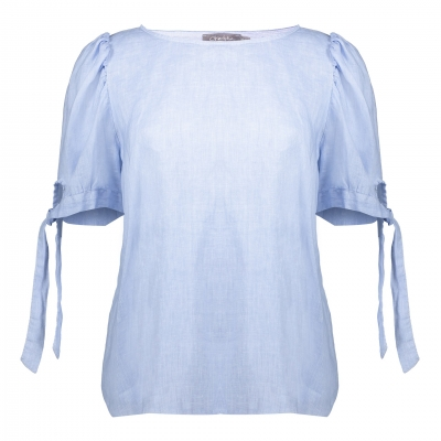 Geisha, top linnen with pleated shoulders light blue
